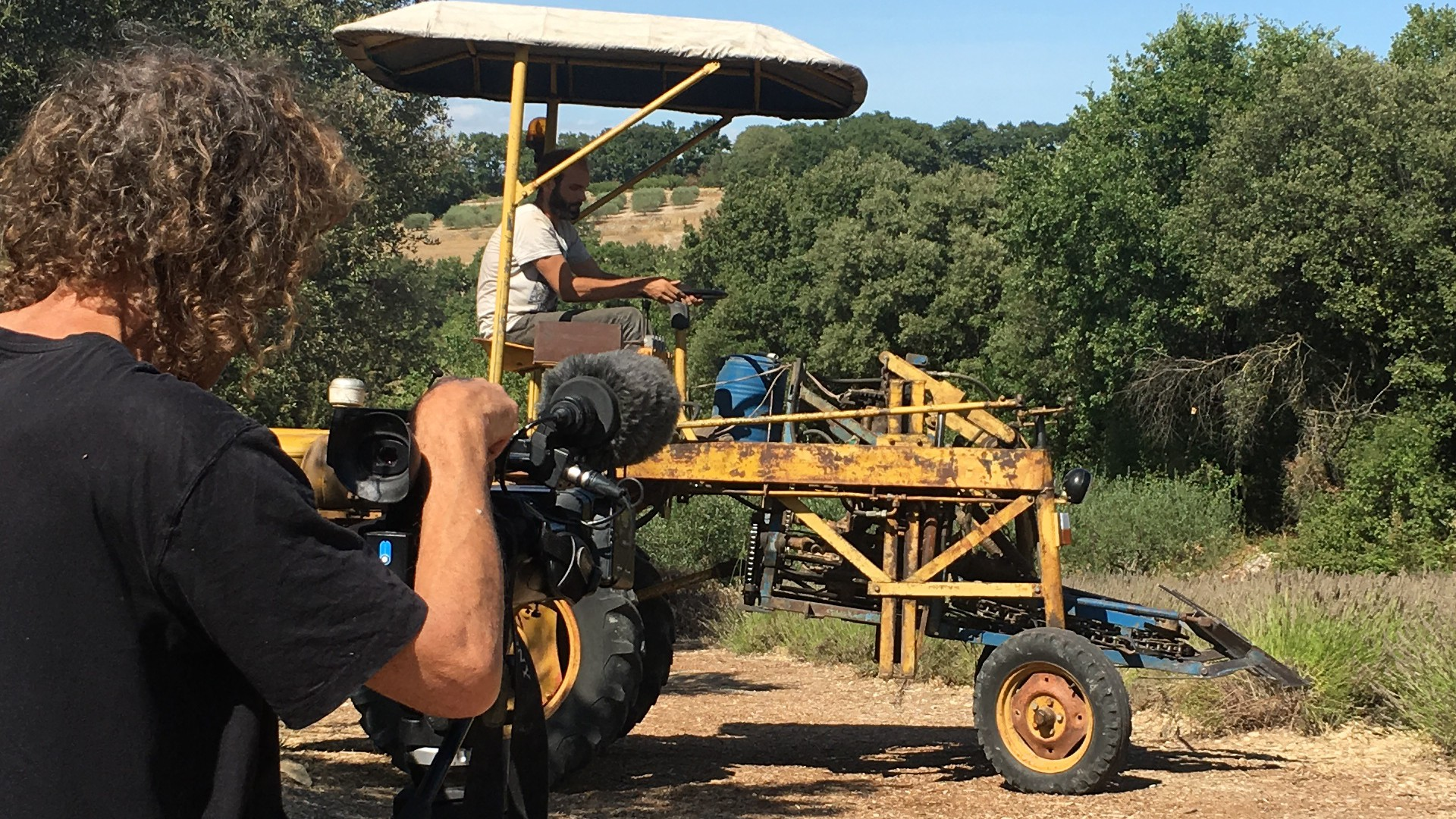 France 3 Pays Gardois en tournage à la distillerie Bel Air